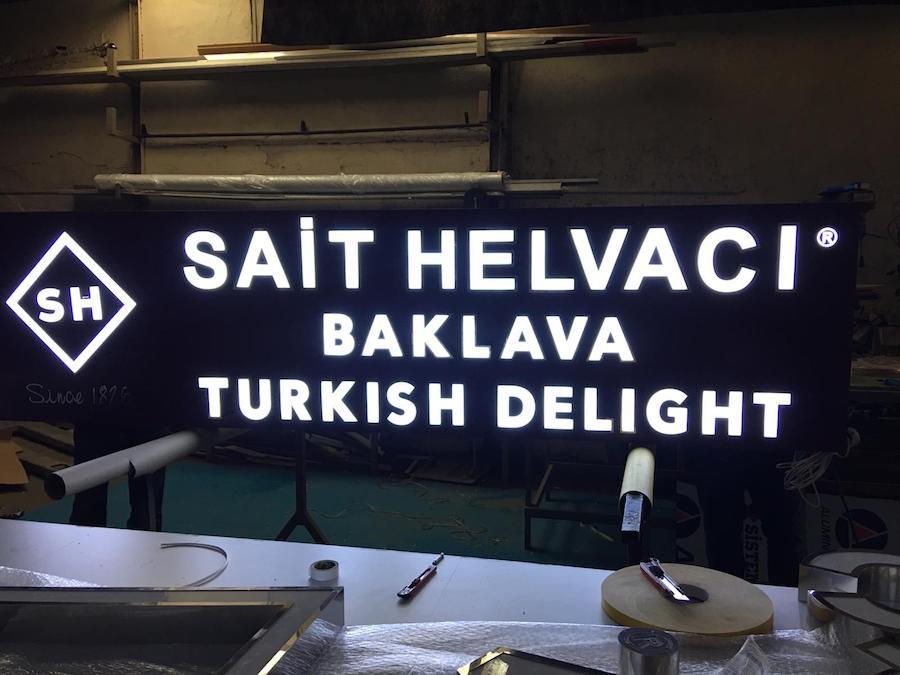 kompozit-panel-isikli-pleksi-tabela-istanbul-maltepe